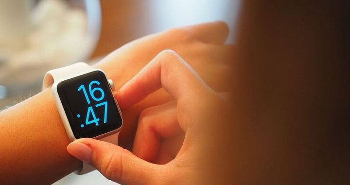 Know About a Smart Watch
